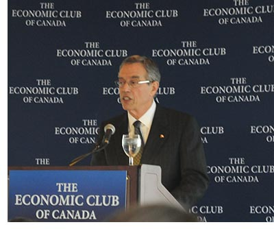 Minister Joe Oliver speaking at the Economic Club of Canada; photo by Franke James